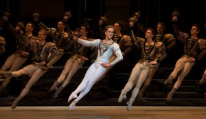 feet in the air - Bolshoi ballet