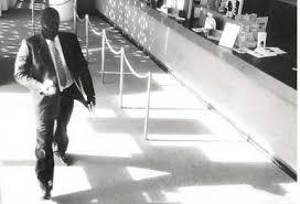 Gait deceptive bank robber